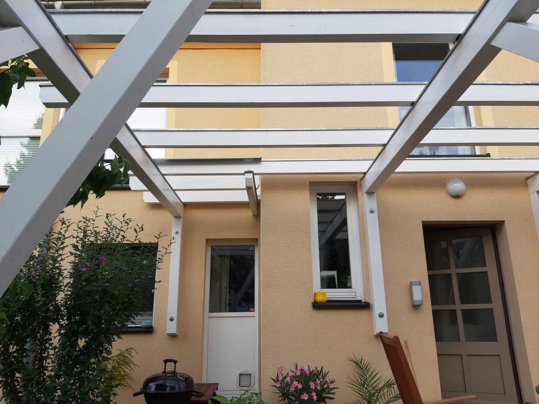 (1) pergola-über-terrasse